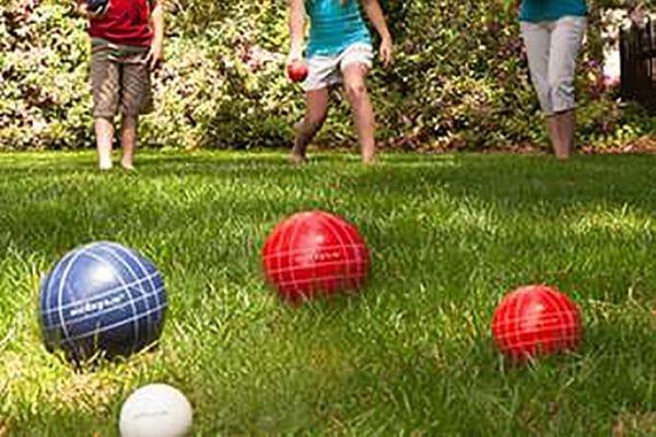 bocce-ball-set-rental-on-grass