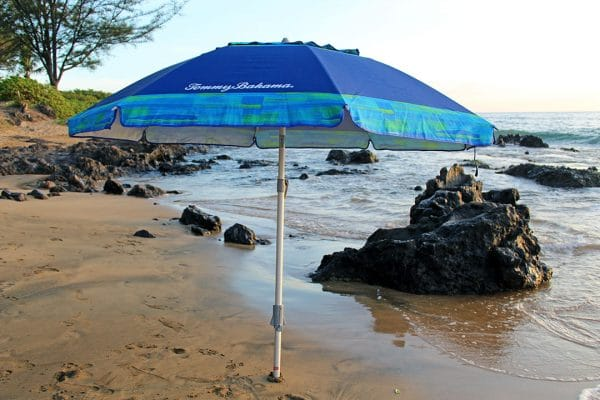 beach umbrella rental on beach