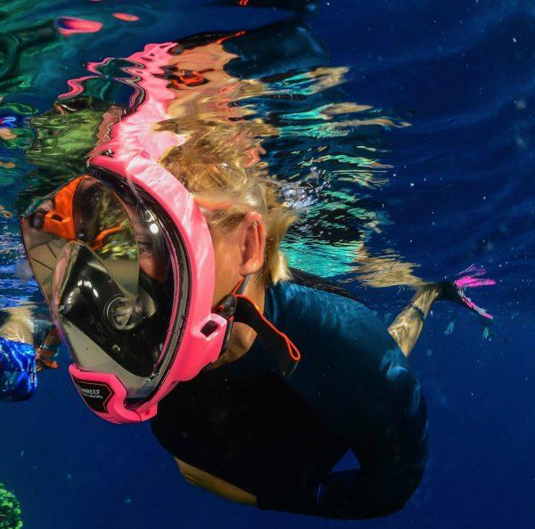 full face snorkel mask user underwater