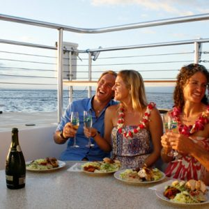 teralani-dinner-cruise-food