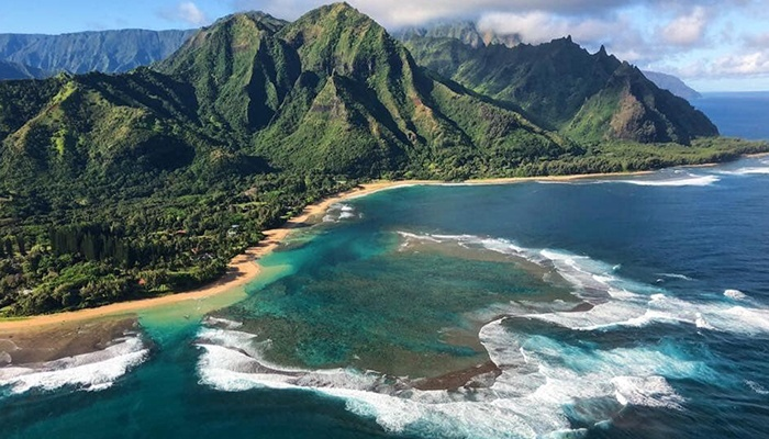 maui-activities-sunshine-helicopter-tour-2